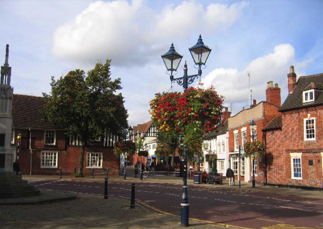 An image of streelights on the high street in Solihull